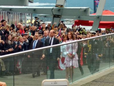バンクーバーにウィリアム王子とキャサリン妃 ロイヤルファンが大歓迎