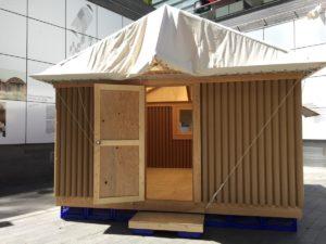建築家・板茂さんの「紙のログハウス」、バンクーバー美術館で野外展示