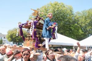 バンクーバーで日系人の夏祭り 御輿やスイカ割り、武道の実演など