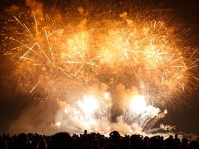 バンクーバーで国別対抗花火大会 今年は南ア、スウェーデン、韓国が競演