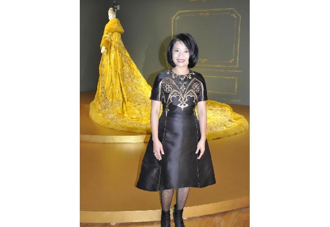 バンクーバー美術館で中国人クチュリエ「グオ・ペイ展」 リアーナさん着用ドレスも