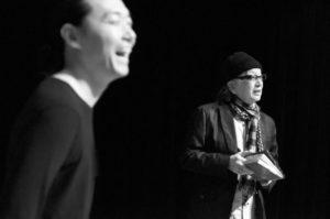 バンクーバーでねじめ正一さんが朗読パフォーマンス 現地の詩人と共演